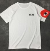 シンプルながらデザイン性がありCOMME des GARCONS  コムデギャルソン Tシャツ コピー再入荷_品質保証