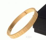 艶やかなゴールドFENDI フェンディ コピー 通販レディースバングル ファッション小物_品質保証
