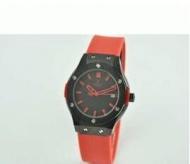 HUBLOT ウブロ ビッグバン 時計 ブラック ラバー女性用腕時計 高級ウォッチ レッド 日付表示 34MM サファイヤクリスタル風防_品質保証