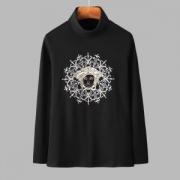 2色可選  ヴェルサーチ VERSACE 長袖Tシャツ 幅広いスタイルにコーディネート 2019年一番の注目カラーはこれ