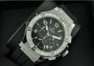 大人の風格 HUBLOT、 ウブロ メンズウォッチ 日付表示 サファイヤクリスタル風防 ダイヤベゼル 42MM ラバー._品質保証